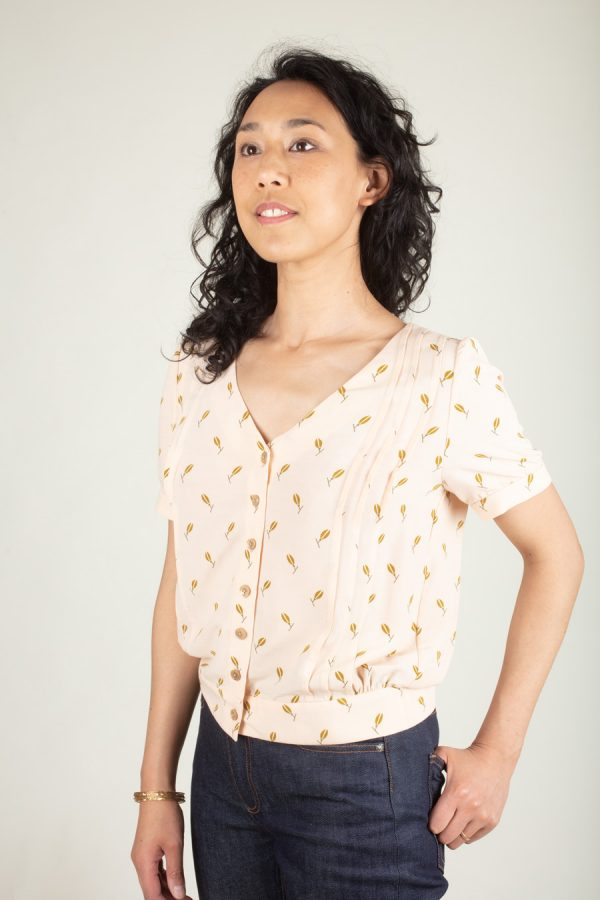 Ose Patterns - Amanda a blouse with delicate details